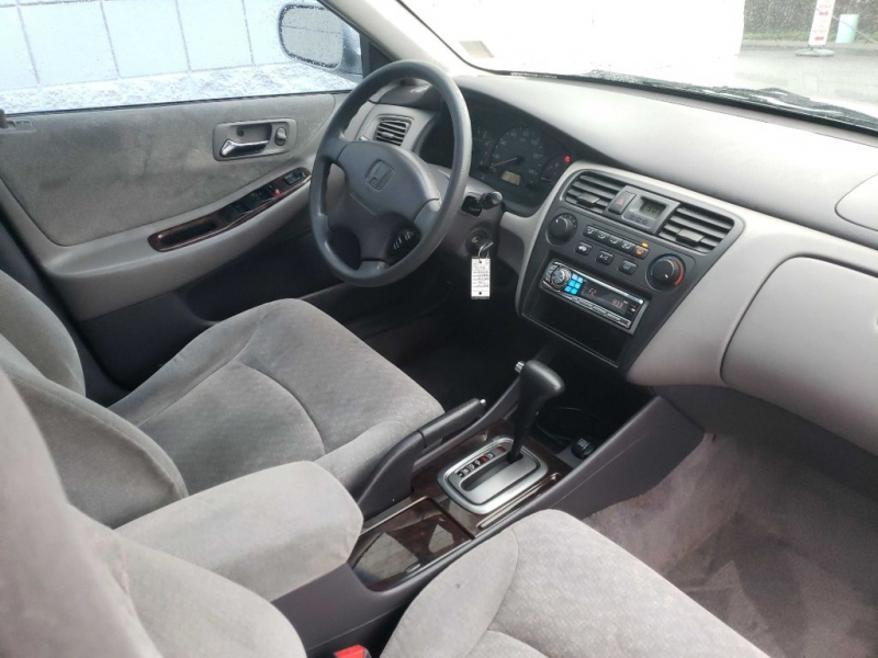 HONDA ACCORD 2002 price $2,499