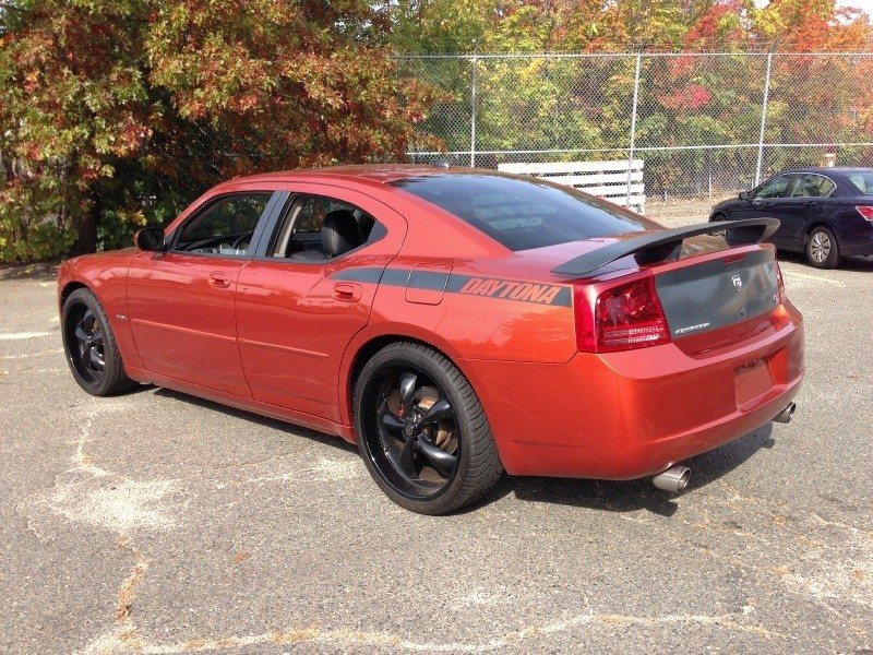 2006 dodge charger r t 5 7 daytona 1 of only 4000 produced inventory malden auto brokers. Black Bedroom Furniture Sets. Home Design Ideas