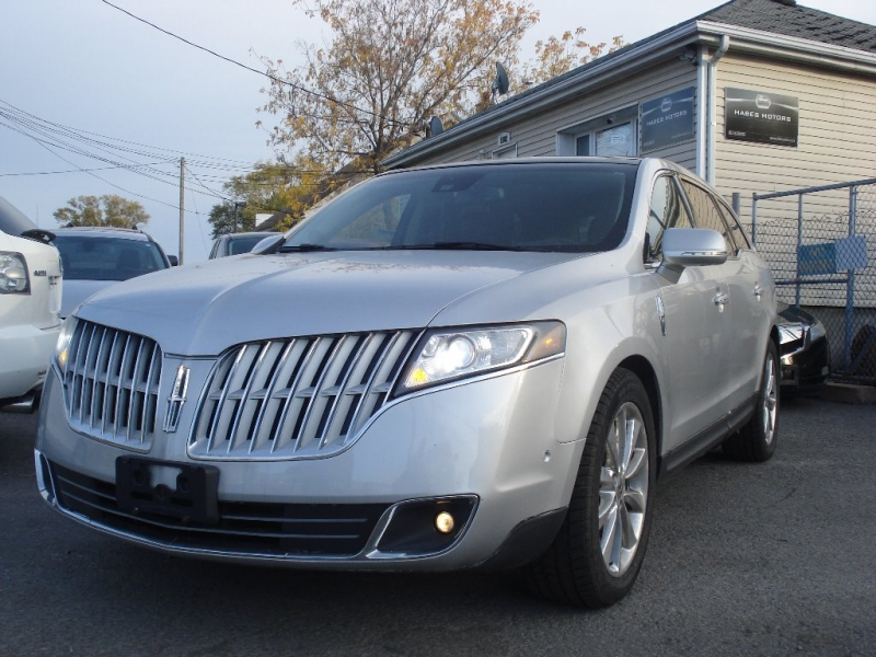 Lincoln MKT 2010 price $10,990