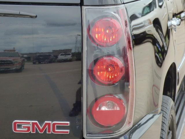 GMC Yukon Denali 2007 price $16,990