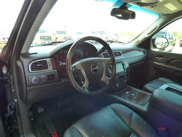 GMC Yukon XL Denali 2009 price $18,990