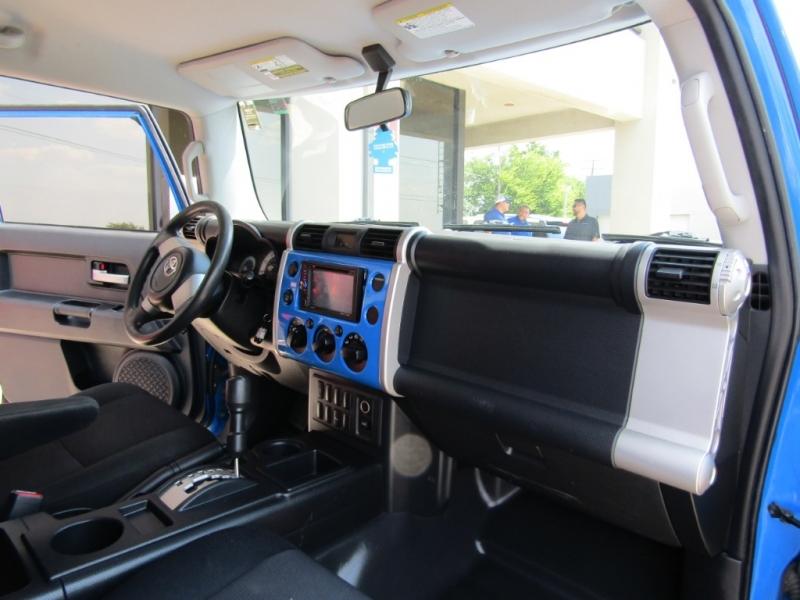 Toyota FJ Cruiser 2007 price $14,990