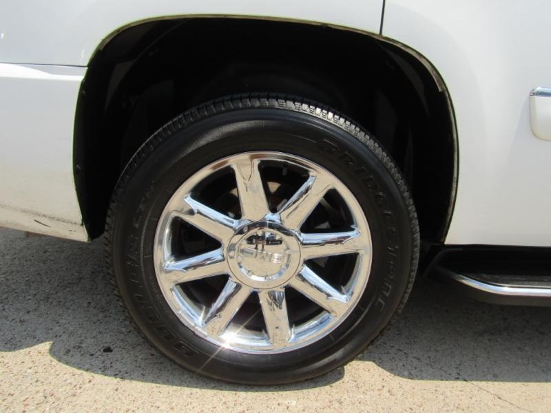 GMC Yukon Denali 2007 price $19,990