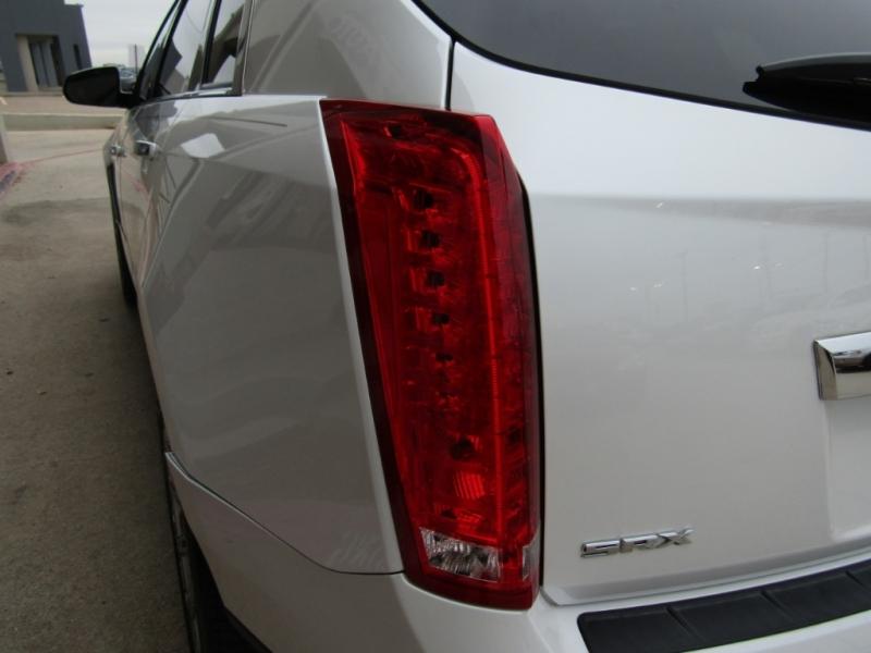 Cadillac SRX 2015 price $23,990