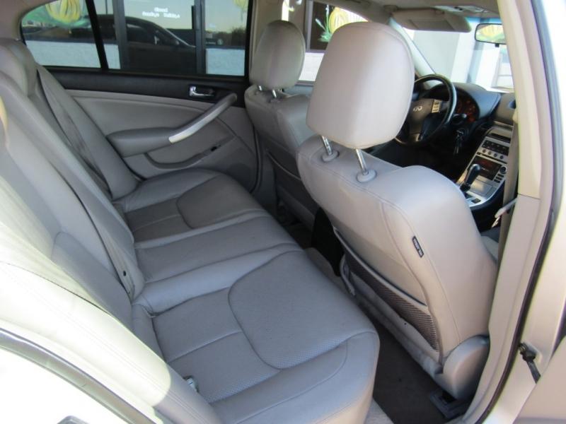 Infiniti G35 Sedan 2006 price $13,990