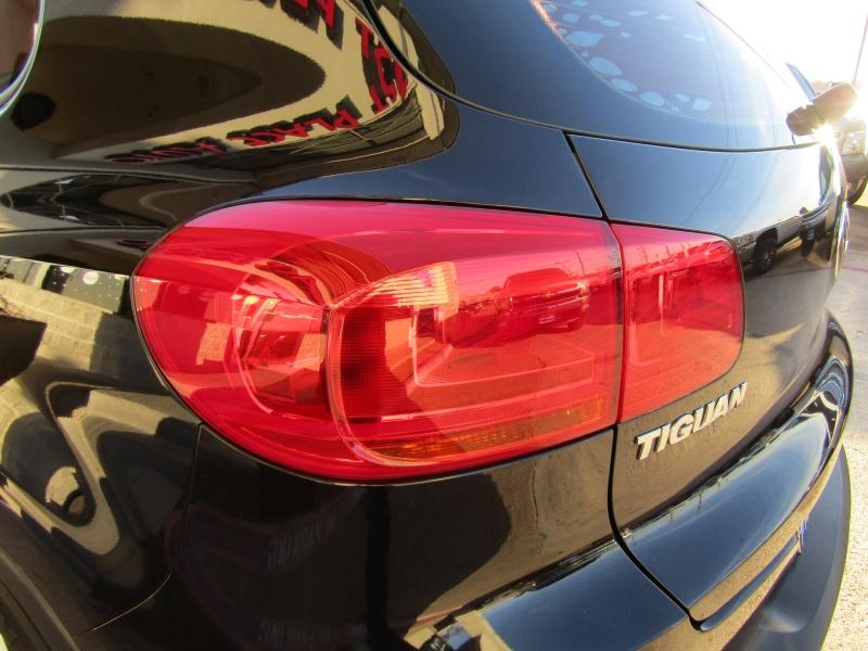 Volkswagen Tiguan 2014 price $16,990