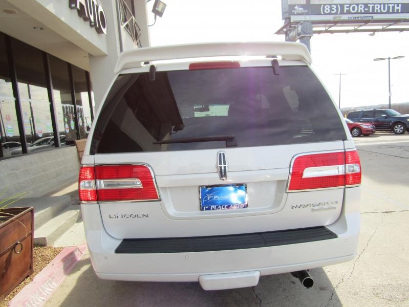 Lincoln Navigator 2014 price $26,990