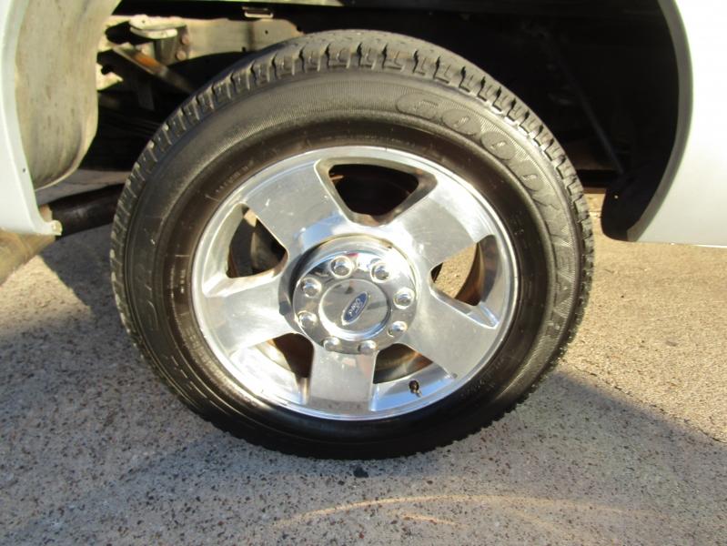 Ford Super Duty F-250 2005 price $19,990