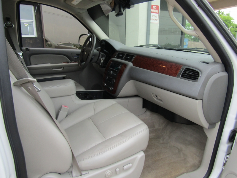 Chevrolet Suburban 2007 price CALL FOR PRICE