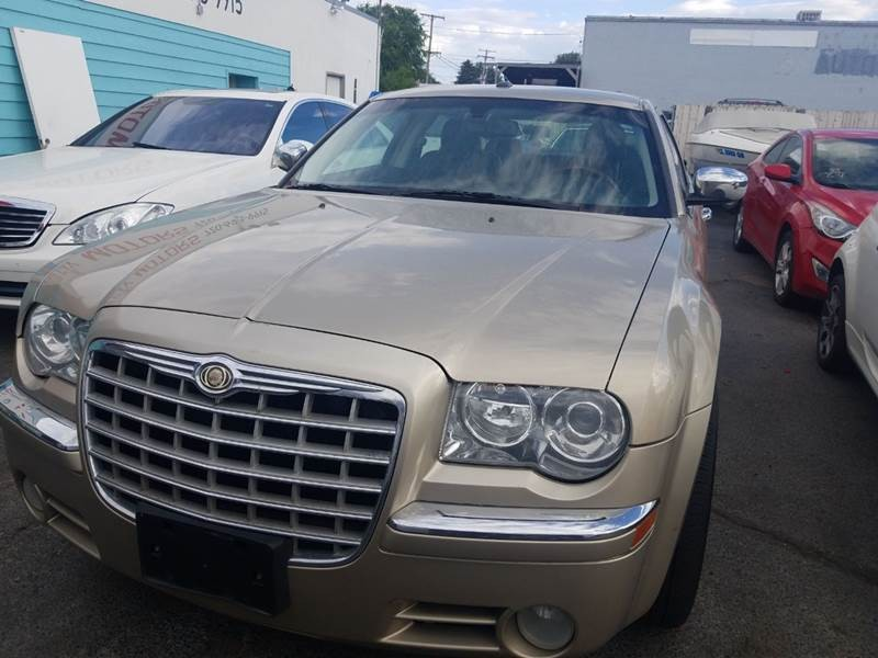 Chrysler 300 2009 price $6,900