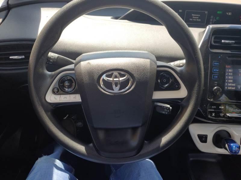 Toyota Prius 2016 price $12,999
