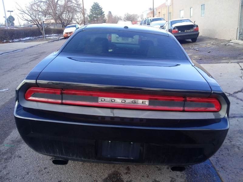 Dodge Challenger 2010 price $9,500
