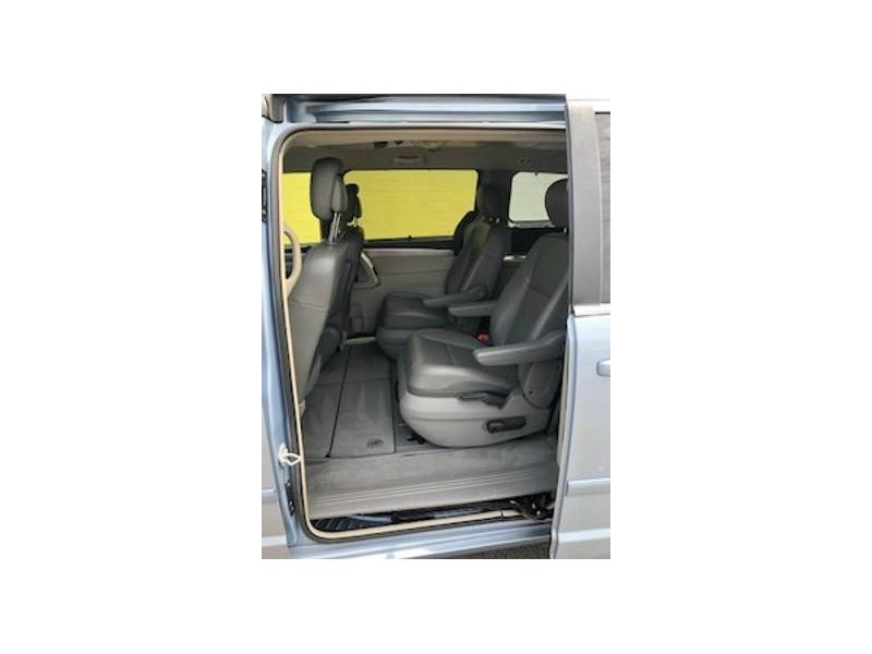 Volkswagen Routan 2012 price $6,995