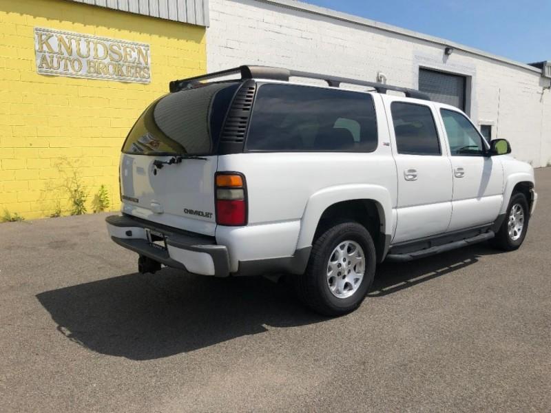 Chevrolet Suburban 2005 price $6,995