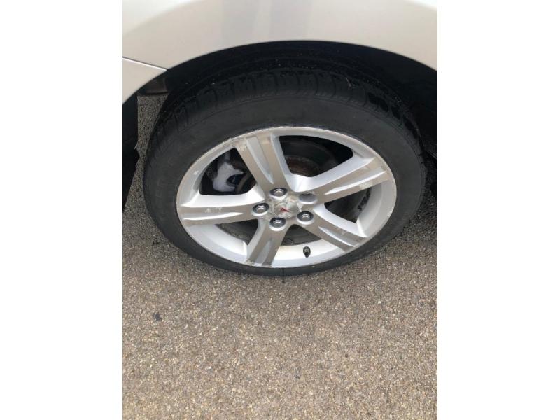 Pontiac Vibe 2009 price $4,995