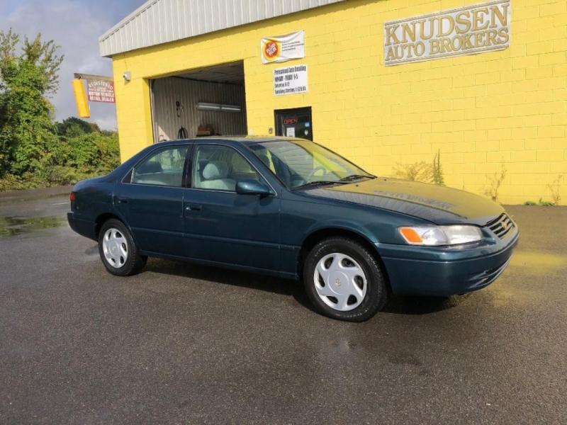 Toyota Camry 1997 price $3,995