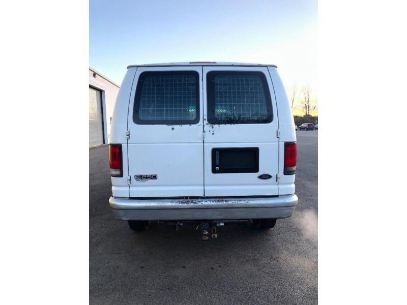 Ford Econoline Cargo Van 1999 price $3,995
