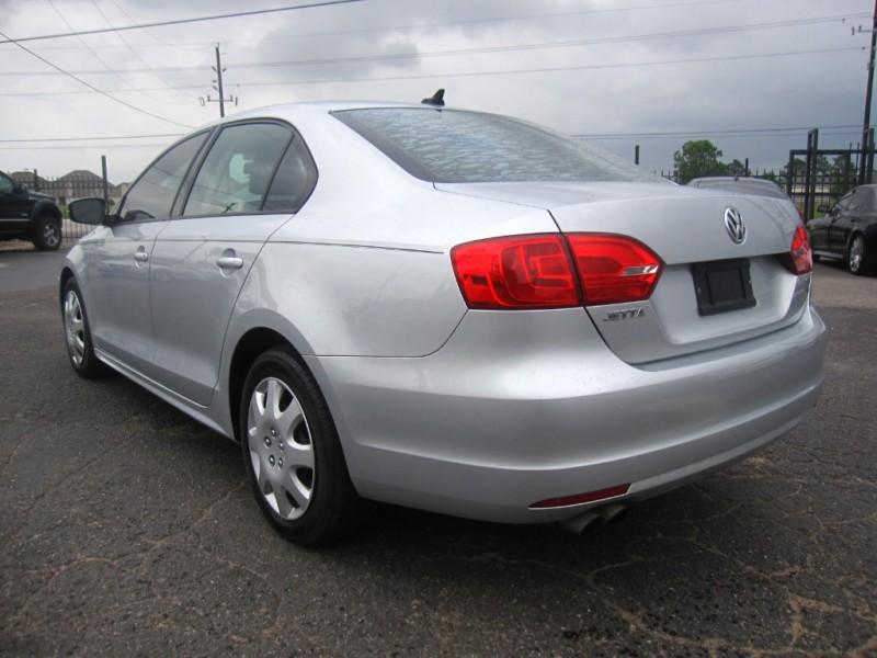 Volkswagen Jetta Sedan 2014 price $6,995