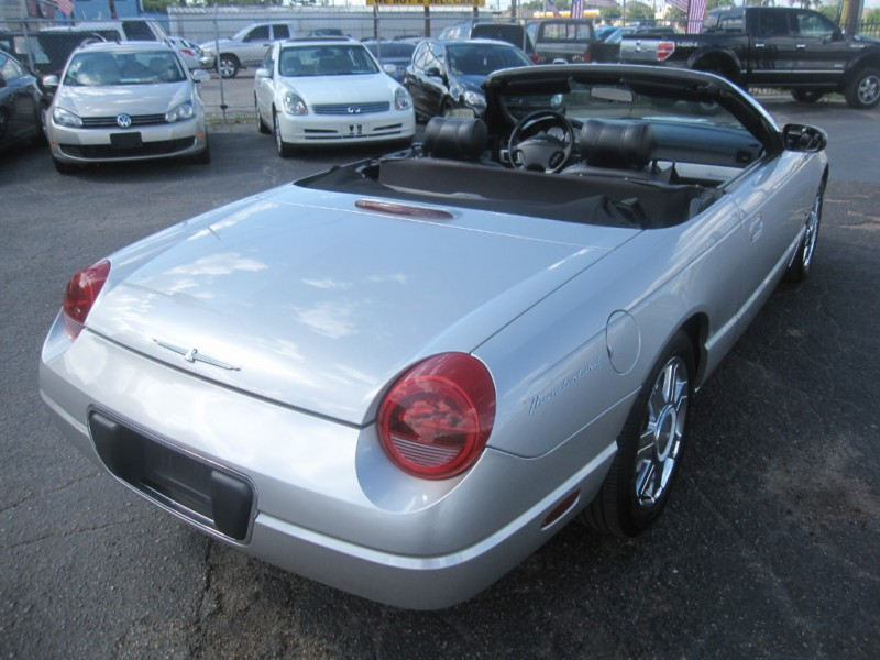 Ford Thunderbird 2004 price $9,495