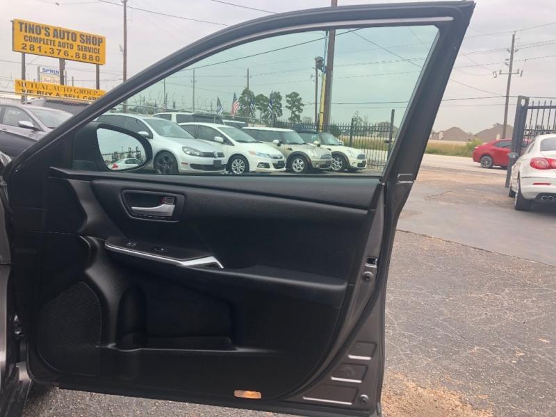 Toyota Camry 2015 price $12,500