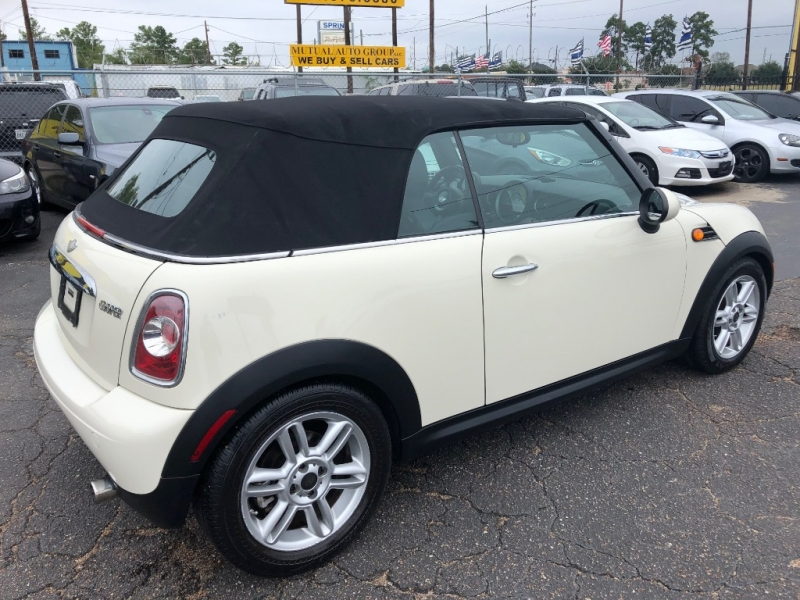 Mini Cooper Convertible 2012 price $8,600
