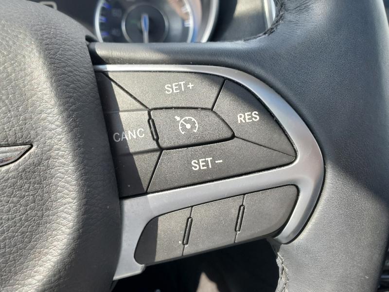 Chrysler 300 2016 price