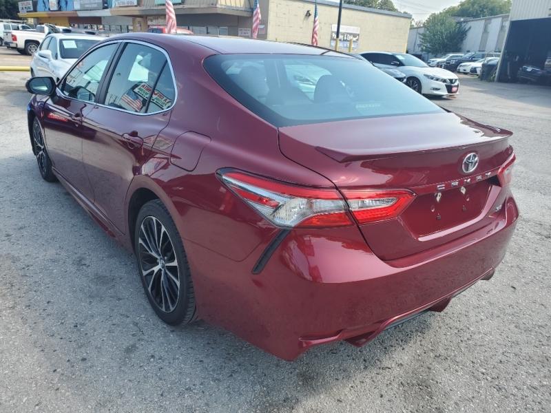 Toyota Camry 2018 price $22,495