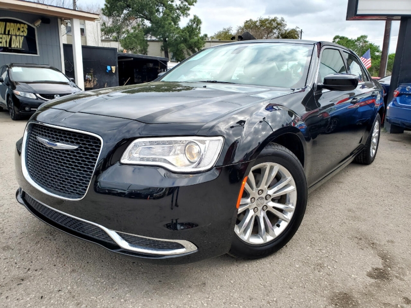 Chrysler 300 2017 price