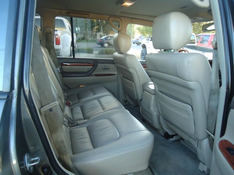 Lexus LX 470 2001 price $9,955