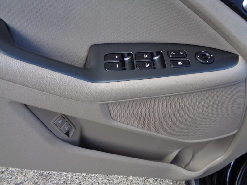 Kia Optima Hybrid 2015 price $12,999