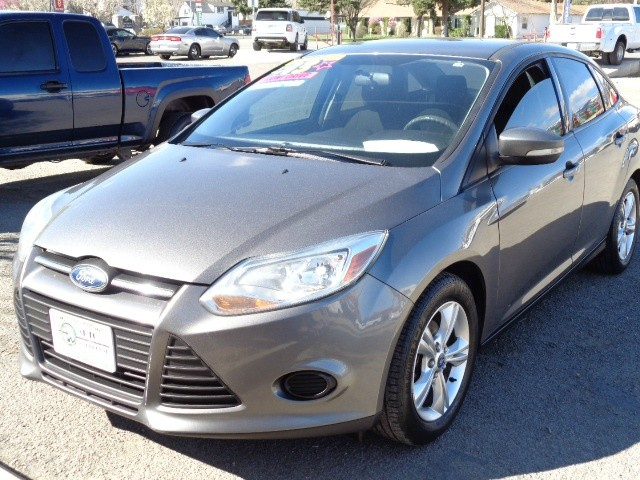 Ford Focus 2013 price $7,599