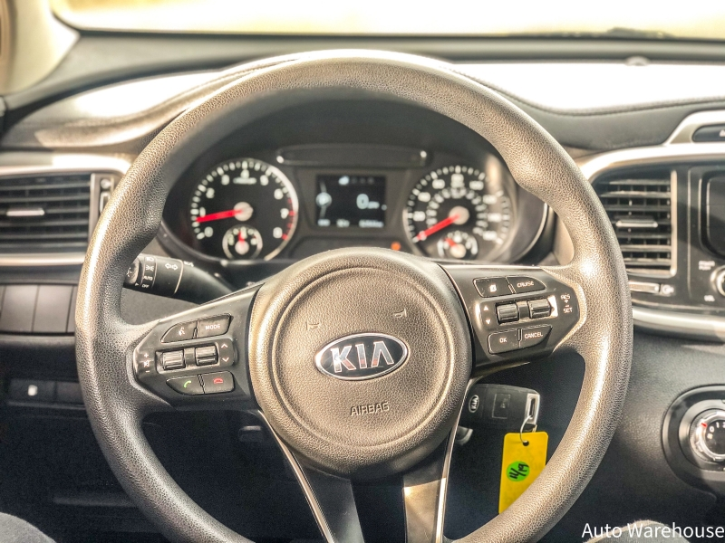 Kia Sorento 2016 price $18,700