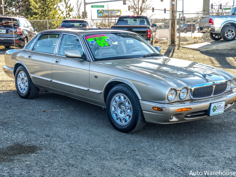 Jaguar XJ 2003 price $7,488