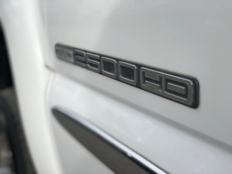 GMC Sierra 2500HD 2004 price $15,488