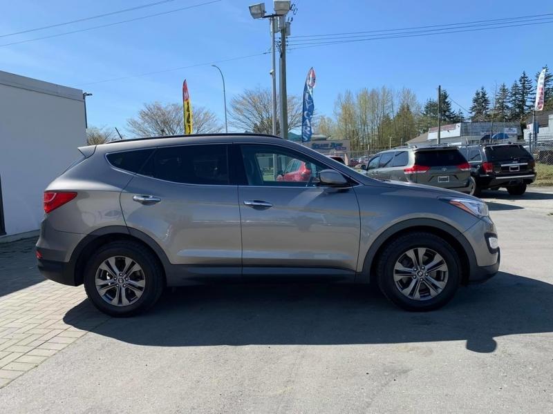 Hyundai Santa Fe 2013 price $13,888