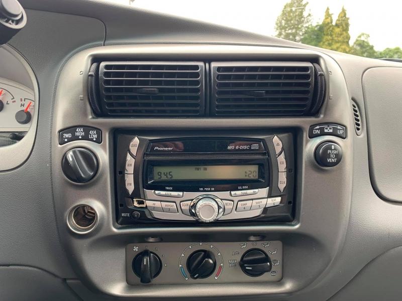 Ford Explorer Sport Trac 2005 price $7,888