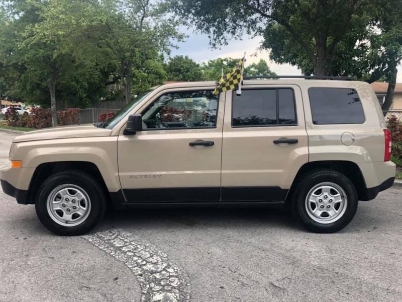 Jeep Patriot 2016 price $9,900