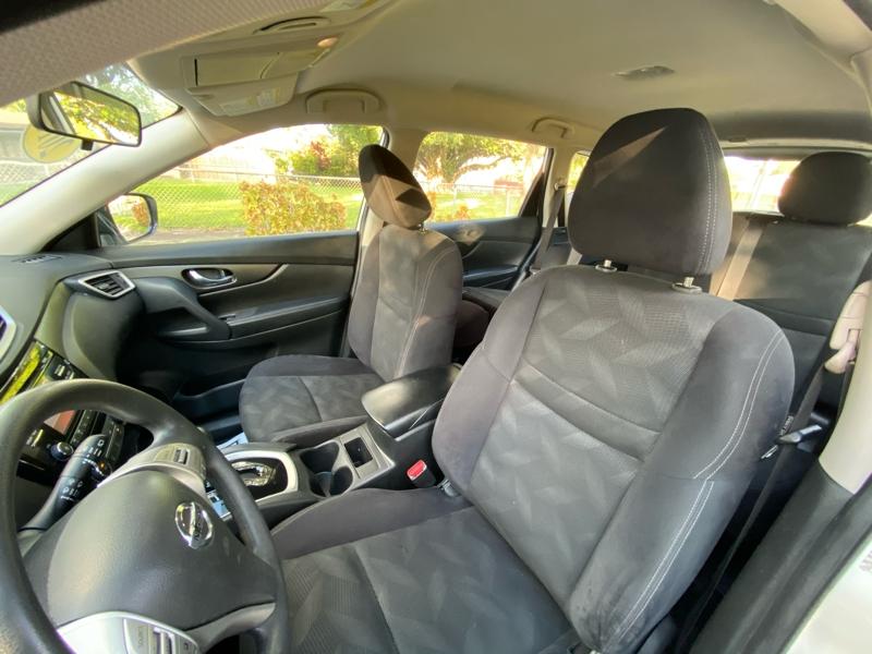 Nissan Rogue 2016 price $10,900