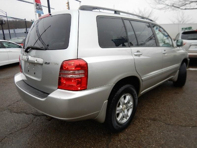 Toyota Highlander 2001 price $4,995