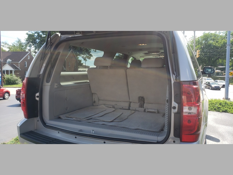 Chevrolet Suburban 2007 price $11,500