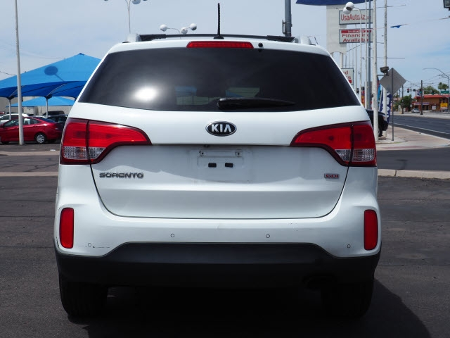 Kia Sorento 2015 price Call for Pricing.