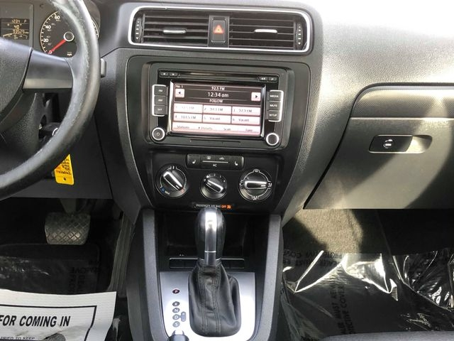 Volkswagen Jetta 2011 price $5,995