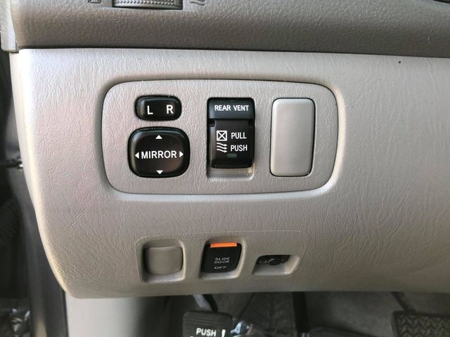 Toyota Sienna 2010 price $5,500