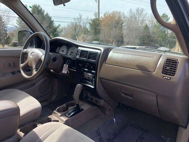 Toyota Tacoma Xtracab 2001 price $5,995