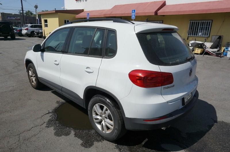 Volkswagen Tiguan 2016 price $11,800