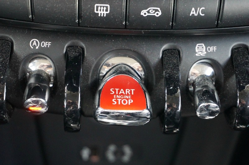 Mini Cooper Hardtop 2014 price $11,900