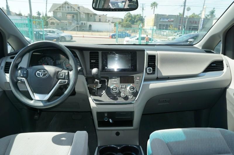 Toyota Sienna 2016 price $21,900