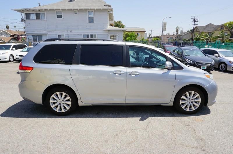 Toyota Sienna 2014 price $19,300