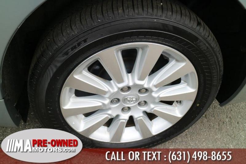 Toyota Sienna 2014 price $19,495