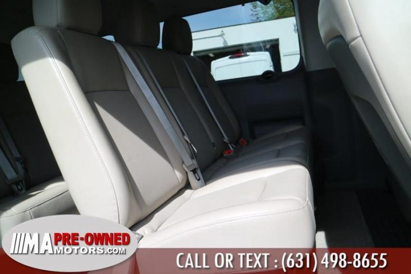 Nissan NV Passenger 2018 price $35,495